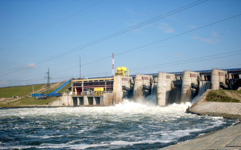 """Tun de miliarde. Hidroserv, compania care asigură mentenanţa hidrocentralelor, băgată în faliment de """"băieţii deştepţi din energie"""""""