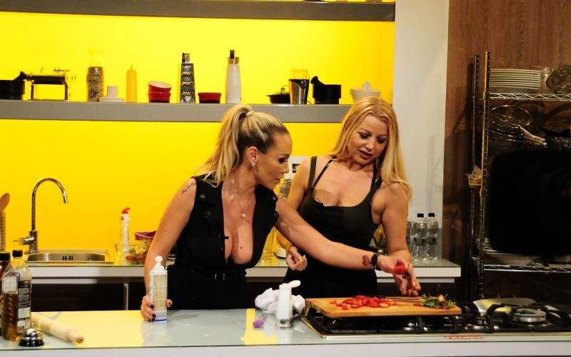 """Solista hit-ului ,,Alin, Alin"""", Irina Pavlenco, găteşte la  ,,Chefi la cuțite"""""""