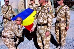 Un militar român a murit în Afganistan din cauza exploziei unei maşini capcană