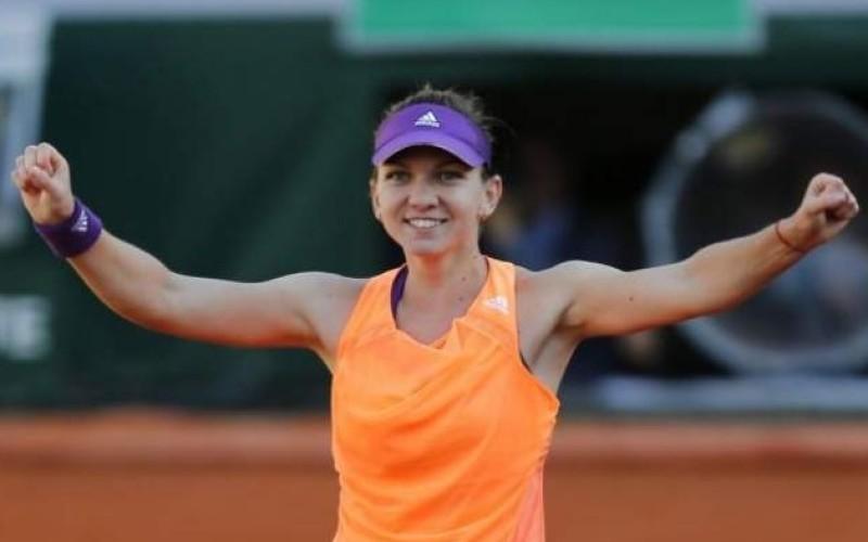 Simona Halep, calificare lejeră în optimi la Beijing. Va juca din nou cu Sharapova