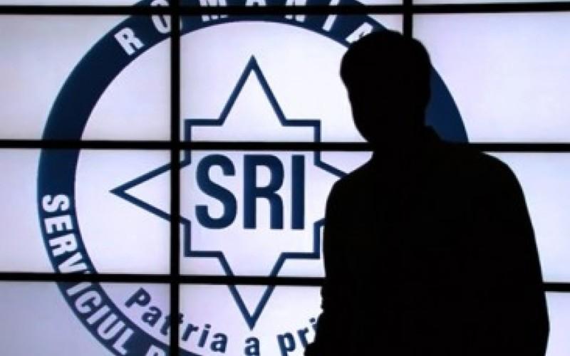 11 jurnalişti, suspectaţi că sunt ofiţeri acoperiţi SRI, audiaţi în Comisia SRI din Parlament