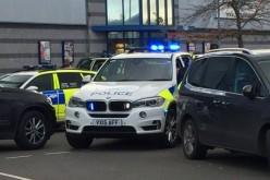 Alertă în Marea Britanie. Un bărbat înarmat a luat ostatici într-un Mall!
