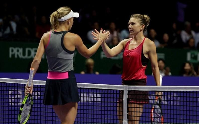 """Halep, sabotată la Turneul Campioanelor! Caroline Wozniacki a """"vândut"""" meciul franţuzoaicei!"""