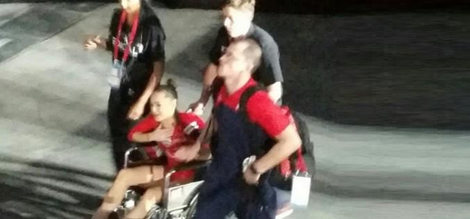 Imagini ȘOCANTE cu Larisa Iordache, accidentată grav la Montreal. Românca a fost scoasă din sală cu scaunul cu rotile!