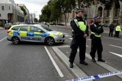 Stare de şoc la Londra. O maşină a intrat într-o mulţime de pietoni. Poliţia nu confirmă că ar fi atentat terorist!