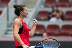 Simona Halep, victorie istorică la Beijing. A învins-o în premieră pe Maria Sharapova