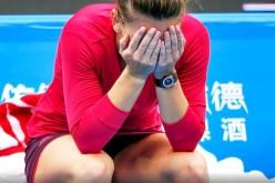 Simona Halep, umilită în ultimul hal de Caroline Wozniacki, în primul set la Turneul Campioanelor