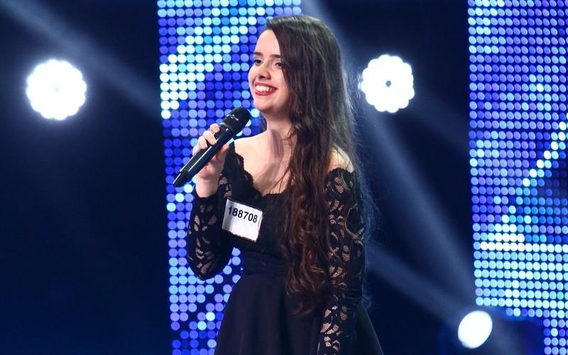 """De pe Youtube, a ajuns vedetă pe scena """"X Factor"""""""