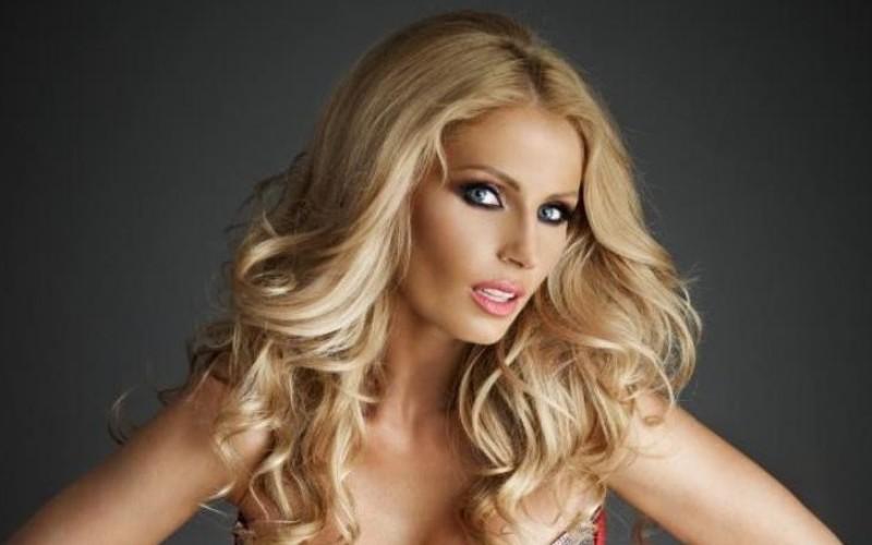 Andreea Bănică a ajuns de urgenţă la spital după ce un dansator i-a spart dinţii