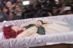 Stela Popescu, fotografiată şi filmată în coşciug. Familia nu a vrut să o acopere pe actriţă!