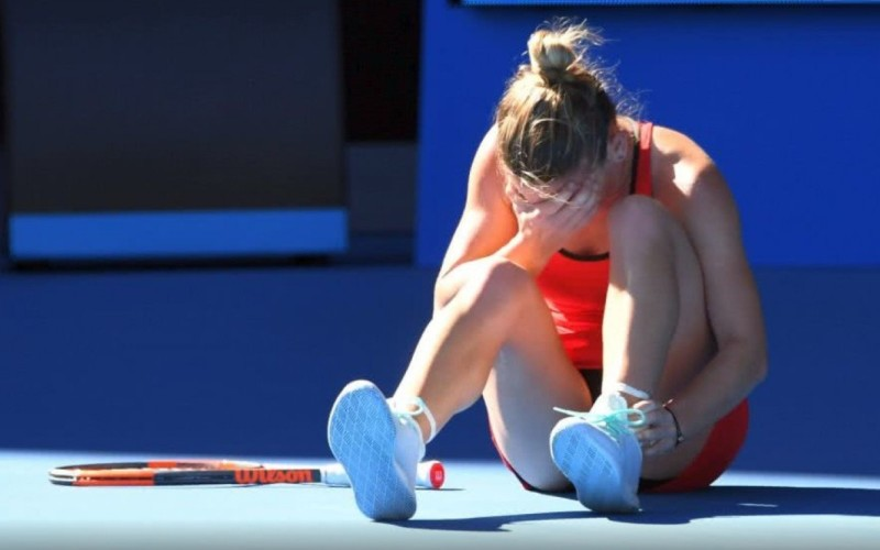 Imagini dramatice cu momentul accidentării lui Halep la Australian Open 2018