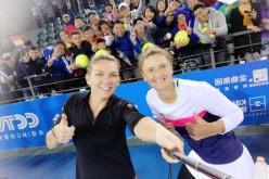 Simona Halep a reuşit dubla la Shenzhen. Alături de Irina Begu a cucerit şi titlul la dublu feminin!