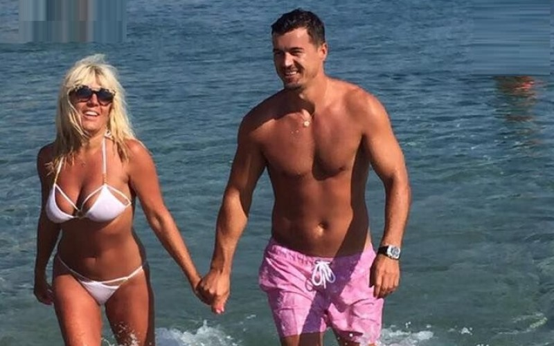 El este bărbatul care a lăsat-o însărcinată cu gemeni pe Elena Udrea!