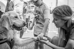 Povestea impresionantă a femeii care a fost salvată de la depresie de un cățel