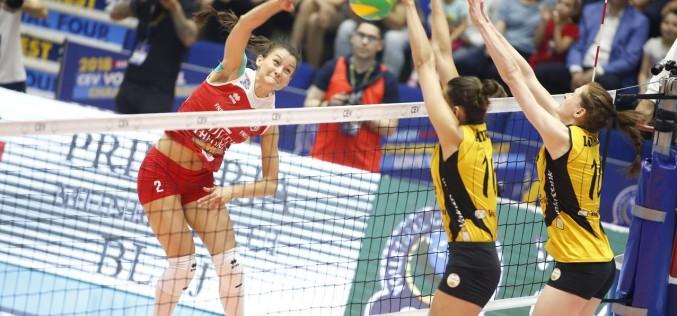 Alba Blaj a pierdut finala Ligii Campionilor la volei feminin. VakifBank Istanbul a câştigat a patra oară, competiţia