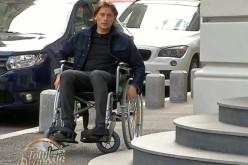 Actorul Marius Manole, în scaun cu rotile prin București