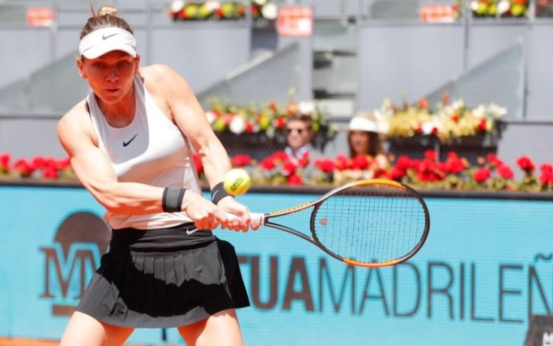 Simona Halep a spulberat-o pe Ekaterina Makarova în primul tur la Madrid