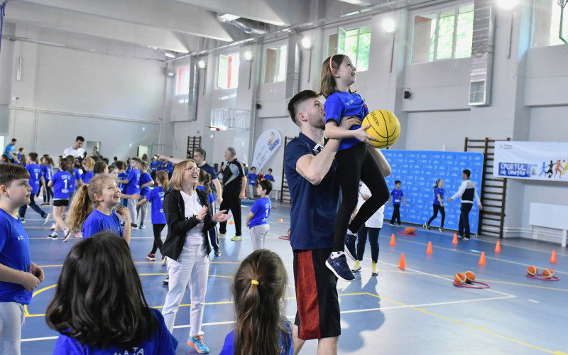 Sportivii de la CSM București caută viitorii campioni printre elevii bucureșteni