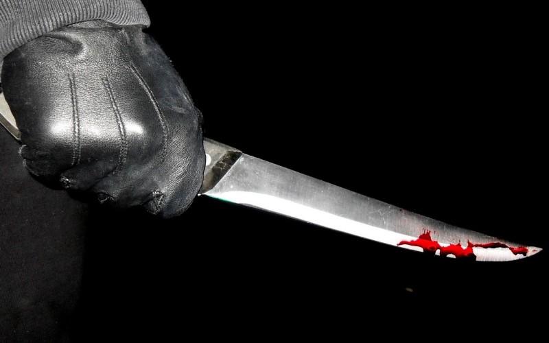 Atac sânceros la o şcoală din Ploieşti. O profesoară a fost înjunghiată de un elev