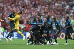 Franţa este noua campioană mondială la fotbal. A câştigat finala împotriva Croaţiei