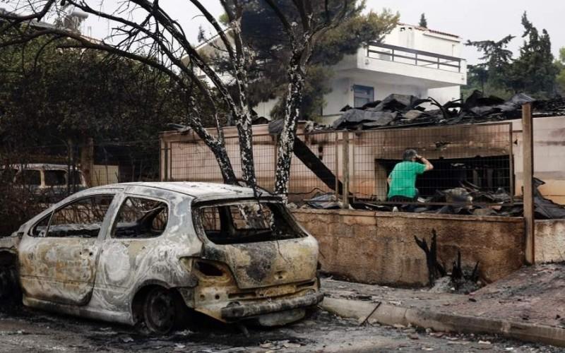Tragedie fără margini în Grecia. Peste 80 de oameni arşi de vii în propriile locuinţe