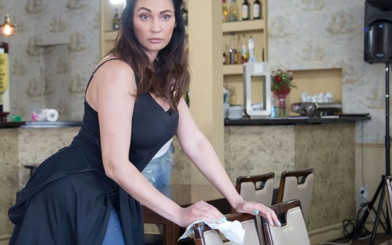 """Nicoleta Luciu: """"M-am îngrășat două kilograme, dar am făcut fese de braziliancă"""""""