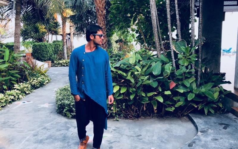 Radu Vâlcan face parada modei pe platourile de filmare ale emisiunii Insula iubirii