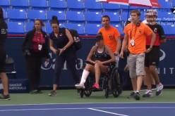 Mihaela Buzărnescu, scoasă în scaunul cu rotile de pe terenul de tenis