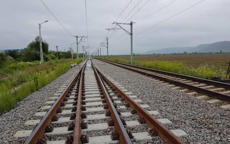 Scandal la Otopeni din cauza liniei de cale ferată ce va ajunge la Aeroportul Internaţional