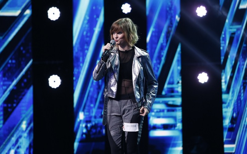 Delia, fascinată de o tânără din Slovenia, pe scena X Factor
