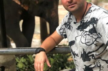 Andrei Ştefãnescu, probleme cu mâncarea picantã din Asia