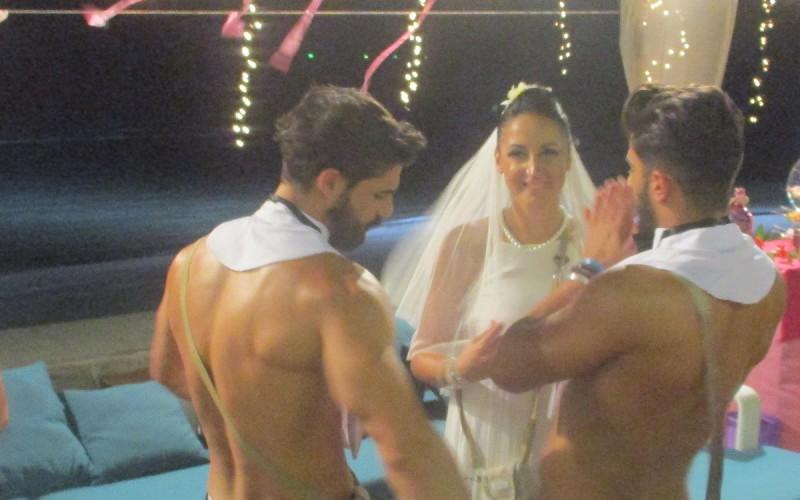 """Andreea și ispita George, miri la prima nuntă de pe """"Insula Iubirii"""""""