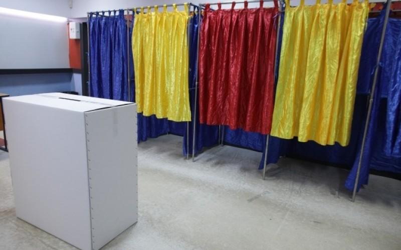 Dezastru total în prima zi de referendum. Iată câţi români s-au prezentat la urne