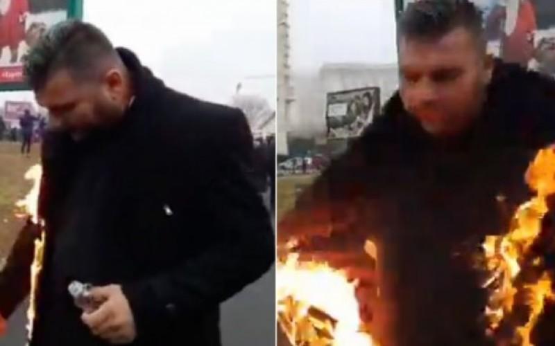 Un preot şi-a dat foc în faţa Catedralei Mântuirii Neamului