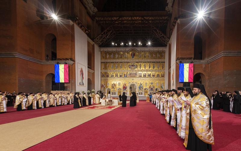 Catedrala Mântuirii Neamului este gata de sfinţire. Iată cum arată cea mai mare biserică din România