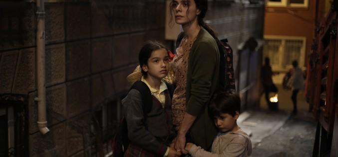 """Sezonul 2 al serialului turcesc """"Femeie în înfruntarea destinului"""" începe la Happy Channel"""