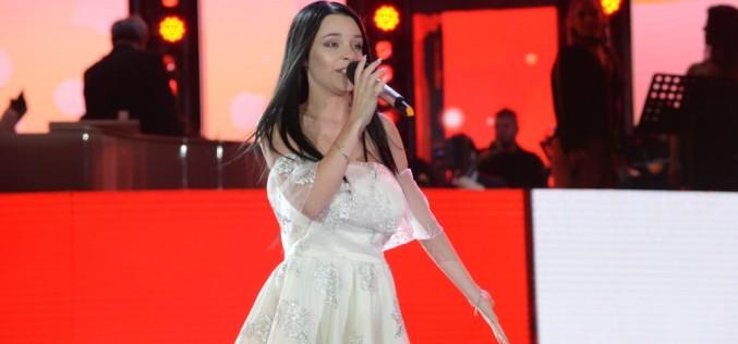 Inis Neziri, câştigătoarea Cerbului de Aur 2018, cântă în finala Eurovision România 2019