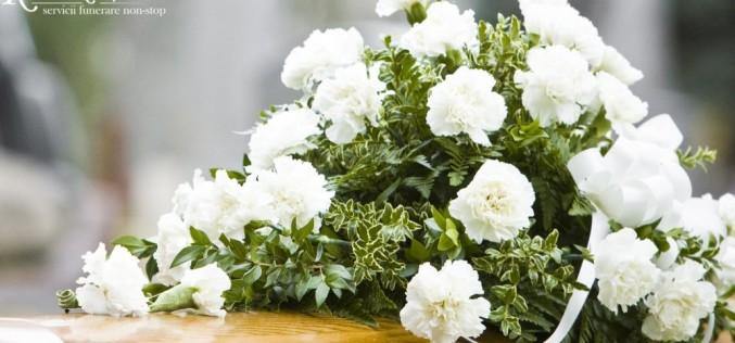 Cum să organizezi o înmormântare cu simţ de răspundere, în mod eficient și practic