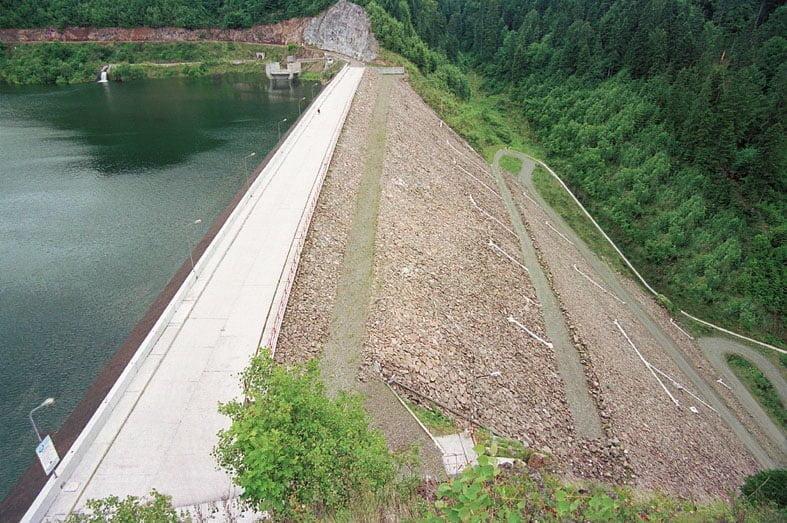 010.8 Baraj Colibita Ved ax 2000