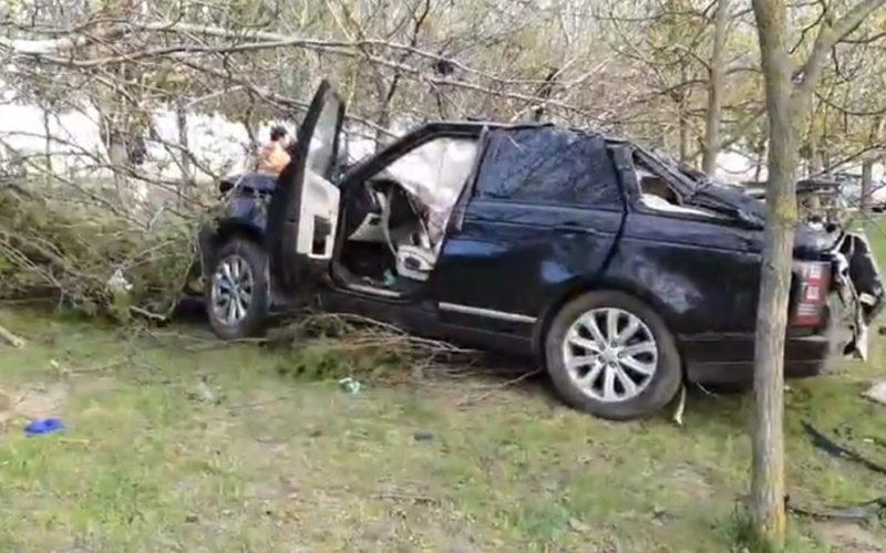 Strigător la cer | Localnicii au FURAT tot ce au găsit lângă mașina în care a MURIT Răzvan Ciobanu