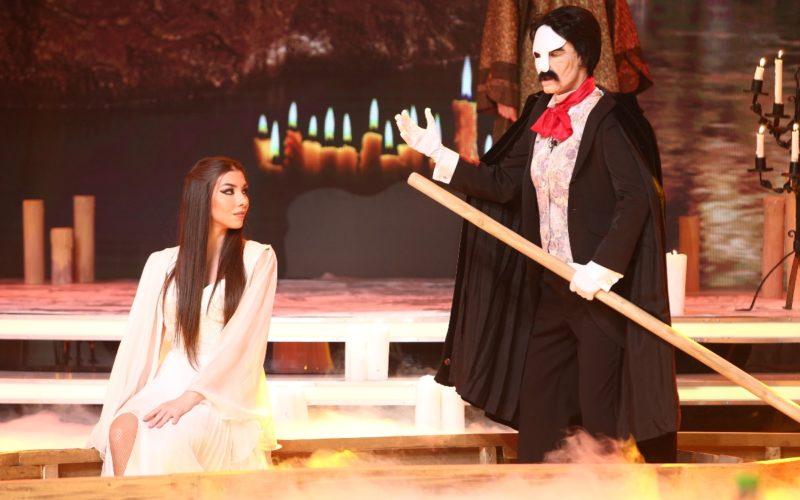 Fantoma de la Operă, Gollum, Duhul lămpii și un Extraterestru urcă pe Scena misterelor