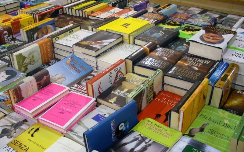 Nu ai cumparat pana acum carti online? Inseamna ca nu ai gasit cea mai buna librarie online!