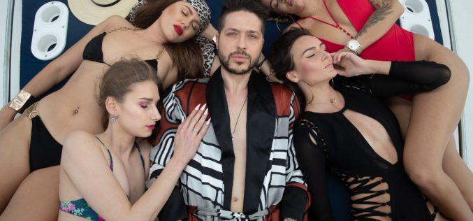 Jorge dezmăţ cu patru fete pe iaht în noul său videoclip – VIDEO