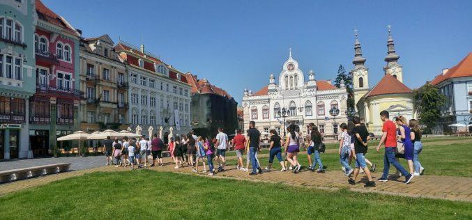 Muzeele din Timișoara au impresionat elevii români din regiunea Voievodina