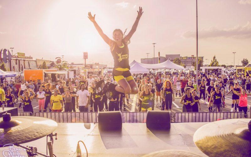 România va intra în Cartea Recordurilor cu cea mai mare oră de Kangoo Jumps