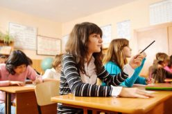 Guvernul a stabilit cuantumul burselor ce vor fi acordate elevilor