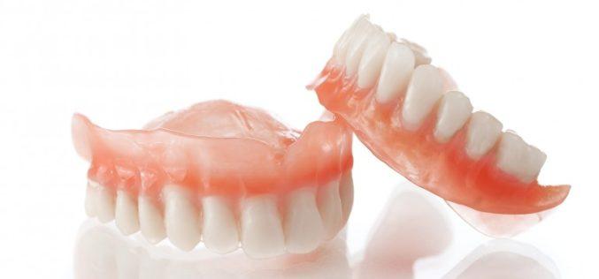 De cate tipuri sunt protezele dentare?