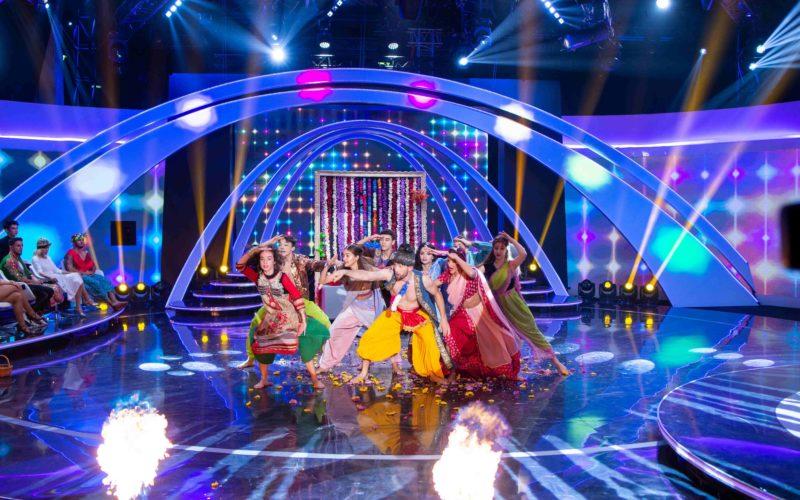 """Provocări inedite pentru concurenţii emisiunii """"Îmi place dansul"""": Bollywood şi Latino Dance!"""