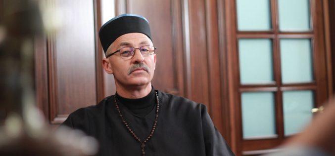 """Vasile Panțîru, """"Preotul"""" care și-a făcut debutul în televiziune la 56 de ani!"""