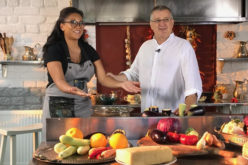Nadine s-a apucat de gătit în bucătăria lui Dinescu
